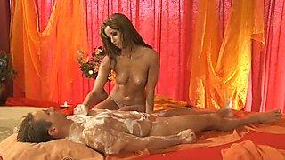TouchTheBody Video: Erotic Turkish Massage