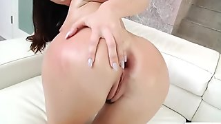 Slutty babe Brittany Shae enjoys getting fat ass rimmed
