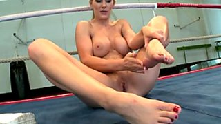 Light haired sex bomb Tanya Tate masturbates on the boxing ring