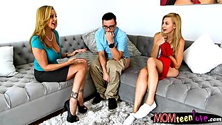 Alexa Grace and Julia Ann amazing 3way sex on the couch