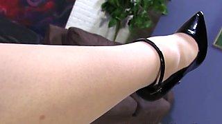 Skanks feet jizz black