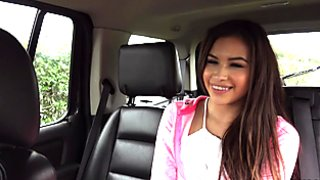 Beautiful teen babe hitchhikes and fuck