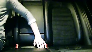 Hitchhiker Lola Taylor fucked inside car
