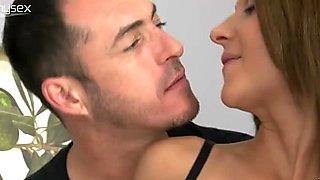 Divine brunette hoe gets her shaved tasty vagina tongue fucked