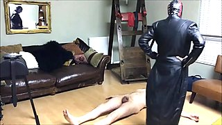 Mistress Natasha Poole destroys the balls of Andrea Dipre