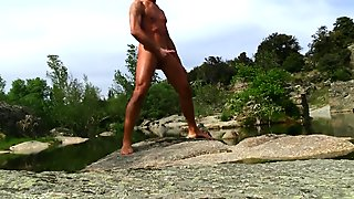 Watch my fit and tanned naked body and my outdoor cumshot