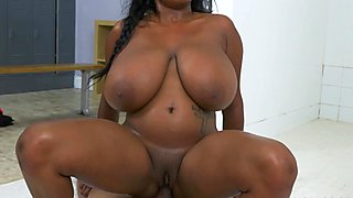 Big breasted Rachel Roxx fucked by a black cock