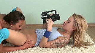 Girlfriends Voyeur lesbian eating hot blonde pussy