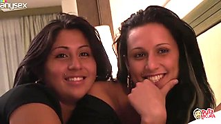 Spanish chicks Soraya and Volyni are playing with small dick