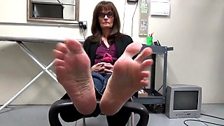 Feet Soles of Mature Brunette